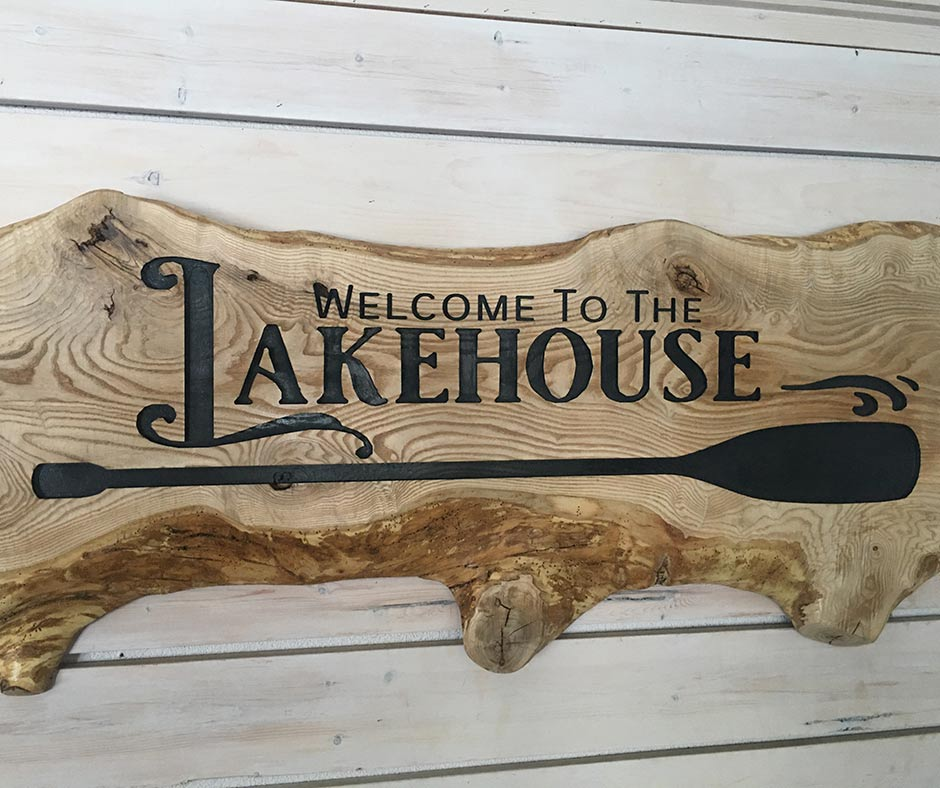 Live Edge wooden sign found at the Pit Stop Produce Market